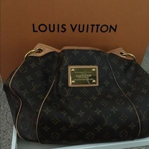 Louis Vuitton authentic handbag pm